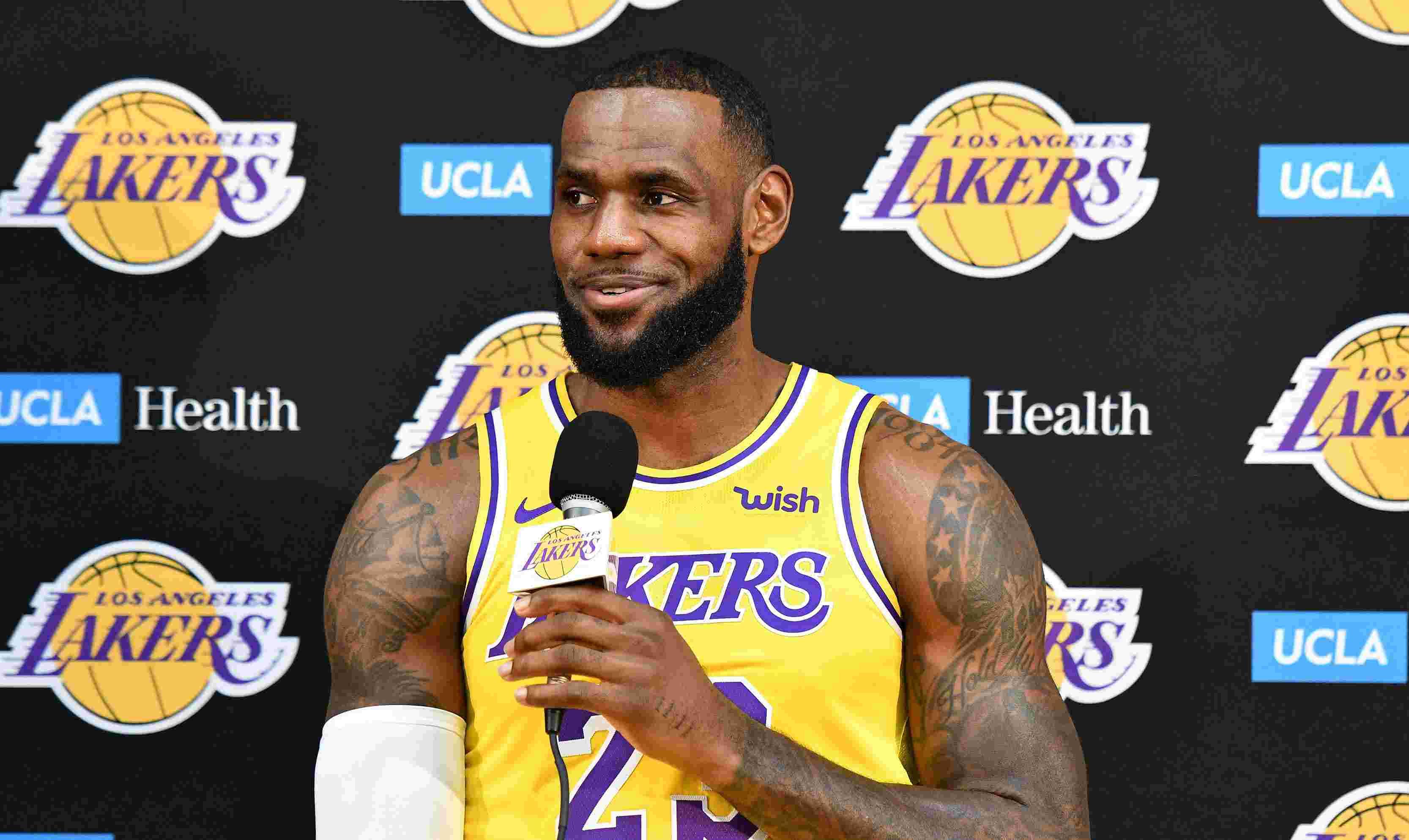 LeBron James Tak Frutrasi Menit Bermainnya Dipangkas di Lakers