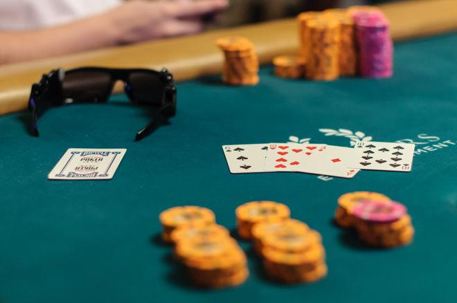 5 Perbedaan Omaha dan Texas Holdem Poker Online