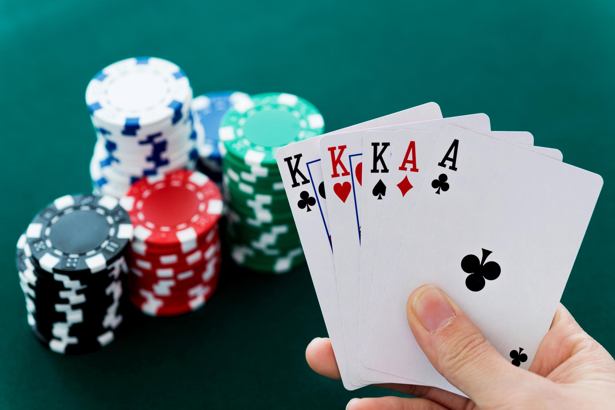 Cara Bermain Poker agar tidak Terbaca oleh Lawan