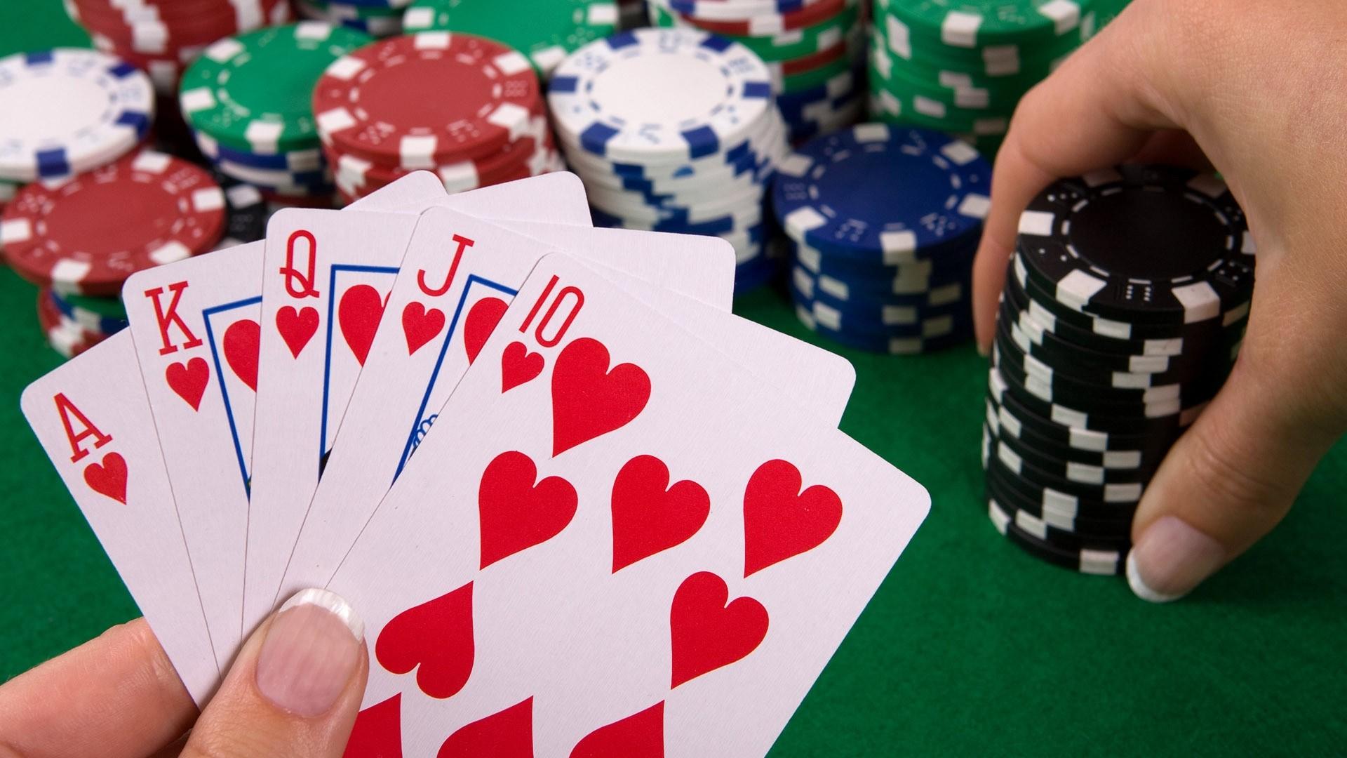 Fungsi dan Manfaat Mengikuti Turnament Poker Online